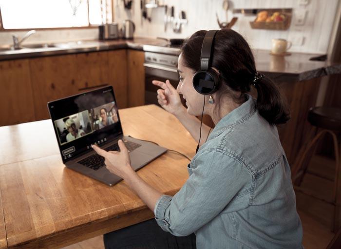 Virtual-Team-Meeting